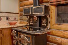 BuckGst log timber frame post & beam hybrid Centennial Wyoming custom home builder (3) - Deerwood Log Homes - Custom Built Homes and Cabins - Laramie, Wyoming and The Centennial Valley - deer-wood.com - (307) 742-6554