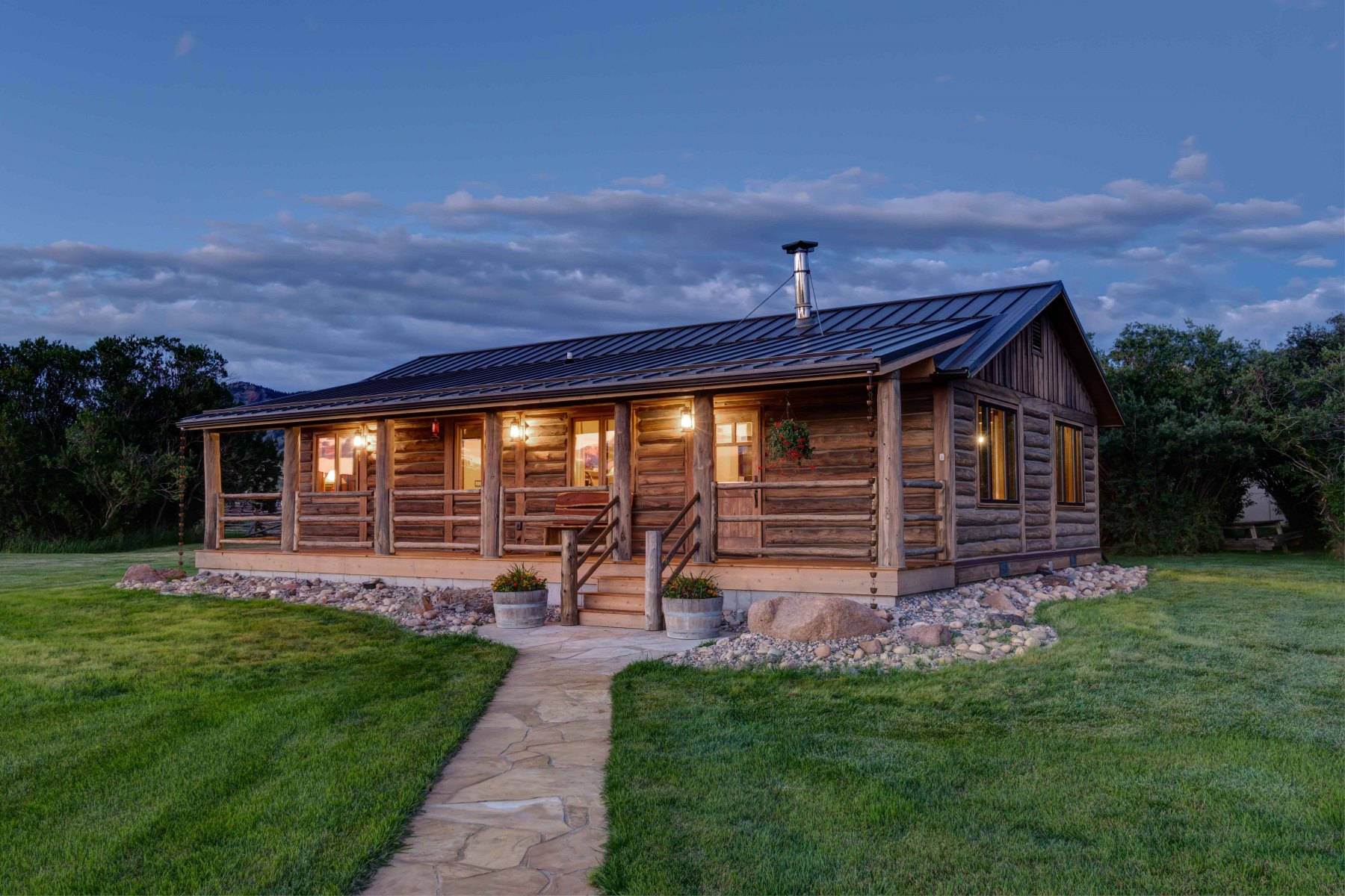 BuckExt log timber frame post & beam hybrid Centennial Wyoming custom home builder (12) - Deerwood Log Homes - Custom Built Homes and Cabins - Laramie, Wyoming and The Centennial Valley - deer-wood.com - (307) 742-6554