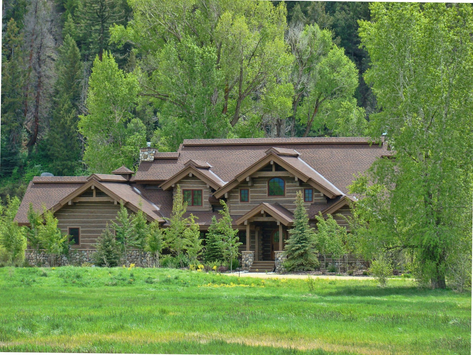 Sand Hand hewn dovetail log Steamboat Springs Colorado custom home builder handcrafted (4) - Deerwood Log Homes - Custom Built Homes and Cabins - Laramie, Wyoming and The Centennial Valley - deer-wood.com - (307) 742-6554