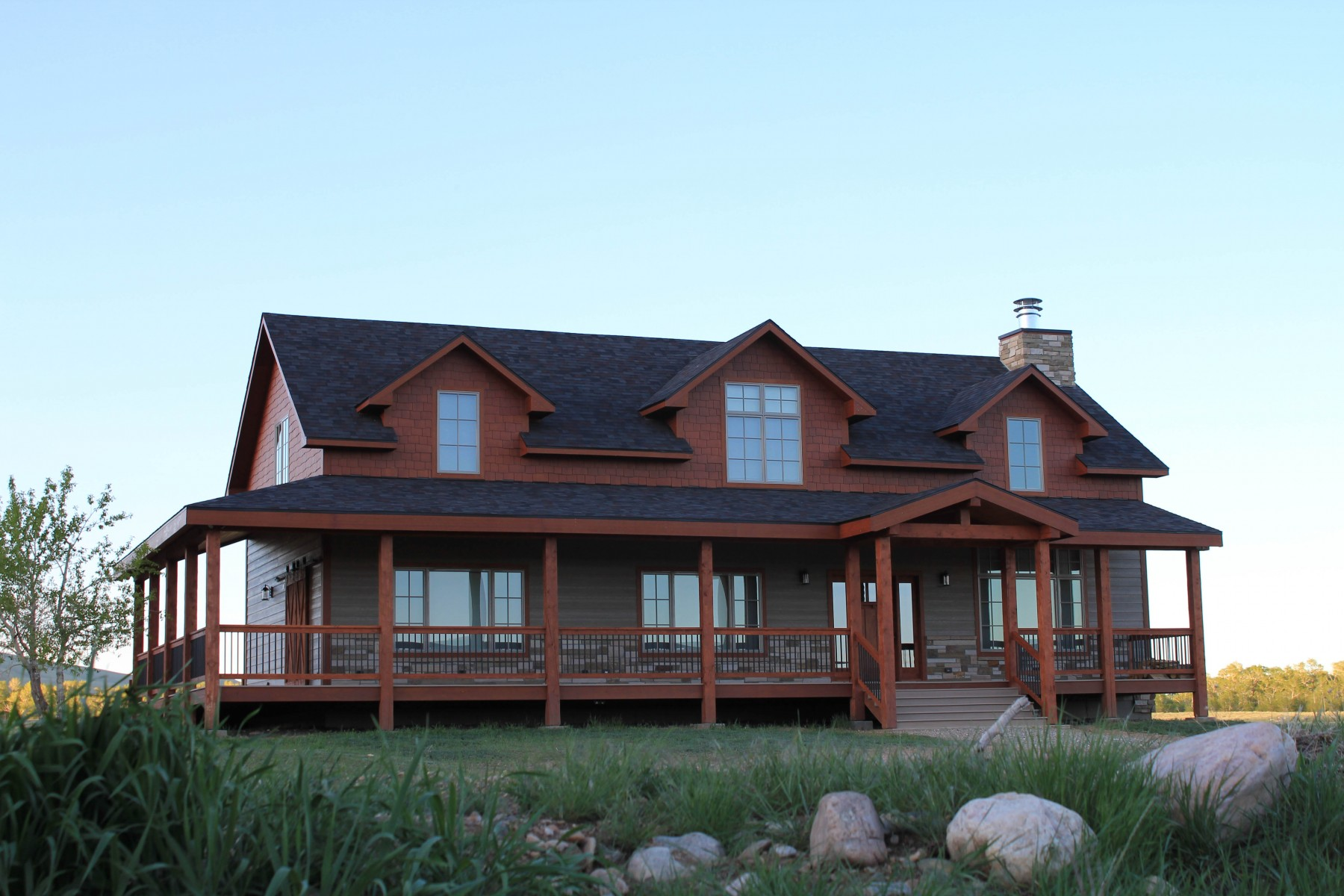 Sper conventional hybrid timber frame accents Centennial Wyoming custom home builder (6) - Deerwood Log Homes - Custom Built Homes and Cabins - Laramie, Wyoming and The Centennial Valley - deer-wood.com - (307) 742-6554