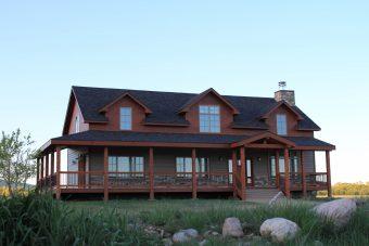 Sper conventional hybrid timber frame accents Centennial Wyoming custom home builder (6) - Deerwood Log Homes - Custom Built Homes and Cabins - Laramie, Wyoming and The Centennial Valley - deer-wood.com - (307) 742-6554