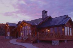 Dool chink style log Laramie Wyoming custom home builder handcrafted details (6) - Deerwood Log Homes - Custom Built Homes and Cabins - Laramie, Wyoming and The Centennial Valley - deer-wood.com - (307) 742-6554