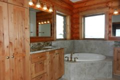 Joit Swedish cope log Centennial Wyoming custom home builder handcrafted details (12) - Deerwood Log Homes - Custom Built Homes and Cabins - Laramie, Wyoming and The Centennial Valley - deer-wood.com - (307) 742-6554